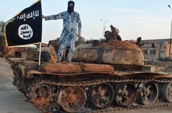 isil_militant_on_tank