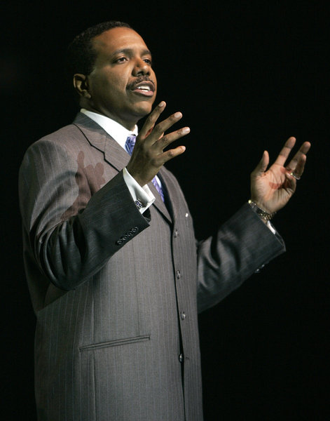 creflo dollar creates controversy by requesting his congregation fund a 65 million dollar aircraft