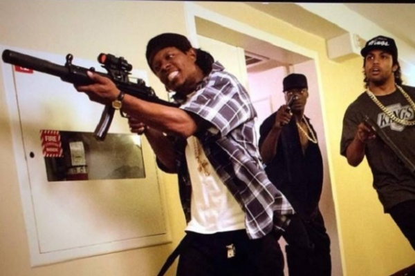nwa with guns in hotel